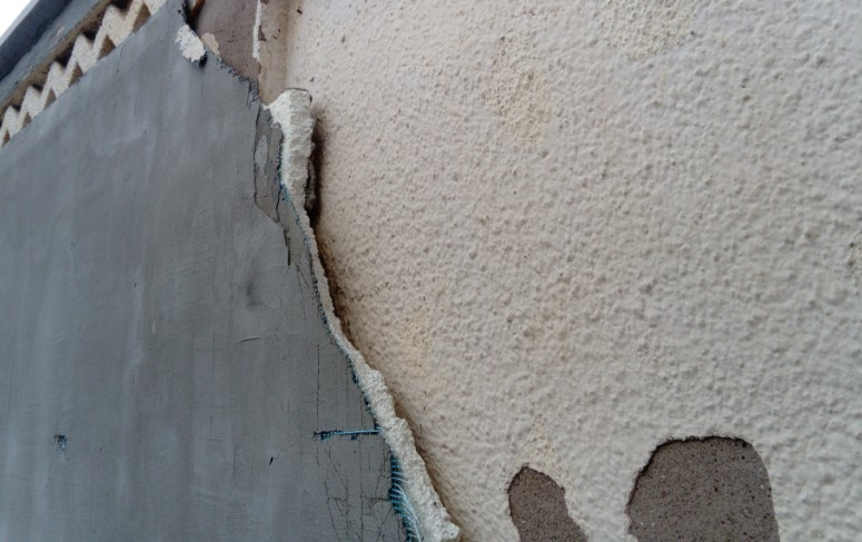 how to repair stucco cracks